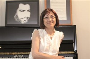 Kurdish singer Ahmet Kaya's widow still at odds with Turkey