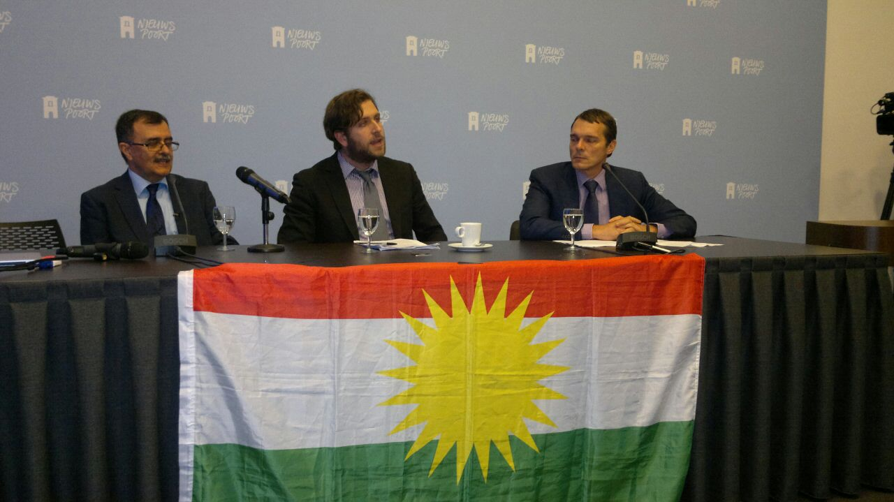 From left: Abdullah Mohtadi, leader of the Komala Party of Iranian Kurdistan, UNPO Program Manager Johanna Green and Ir Frank van Dalen, Chairman of the Iran Committee in The Netherlands